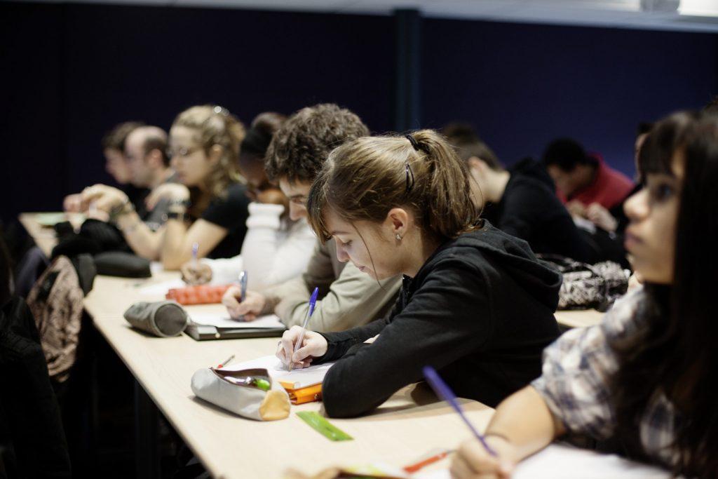 Etudiants amphithéâtre Pôle Universitaire de Vichy